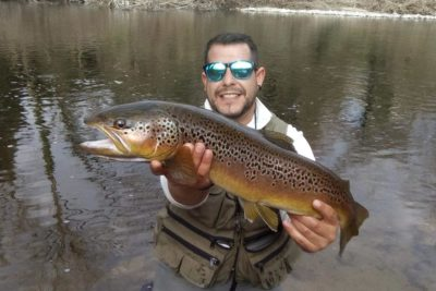 Pescar truchas a mosca en Girona - Río Ter